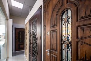 Як вибрати вхідні двері на budliner.com?